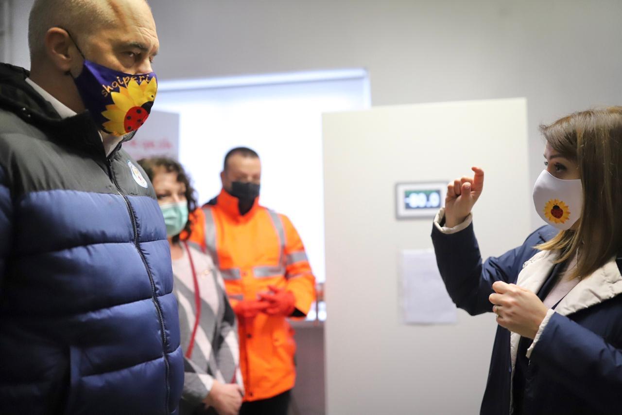 """Qeveria e Shqipërisë shpall """"Sekret tregtar"""" marrëveshja për vaksinën."""